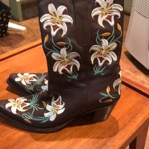 Vero Cuoio Cowboy boots embroidered